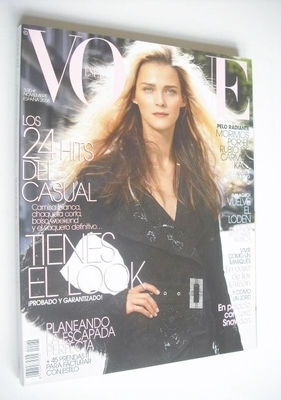 <!--2006-11-->Vogue Espana magazine - November 2006 - Carmen Kass cover