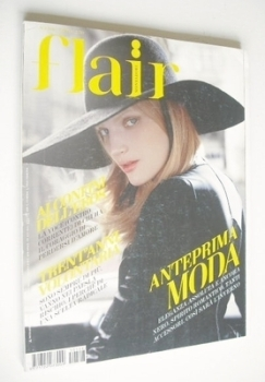 <!--2005-08-->Flair magazine - August 2005 - Guinevere Van Seenus cover