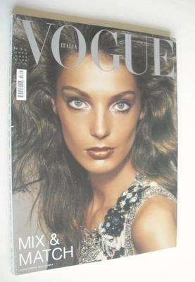<!--2004-05-->Vogue Italia magazine - May 2004 - Daria Werbowy cover
