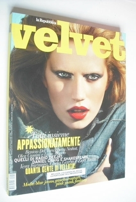 <!--2010-03-->Velvet magazine - Cato van Ee cover (March 2010 - Issue 40)