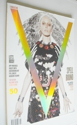 <!--2007-12-->V magazine - Winter 2007/08 - Raquel Zimmermann cover