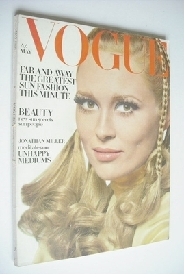 <!--1968-05-->British Vogue magazine - May 1968 - Faye Dunaway cover