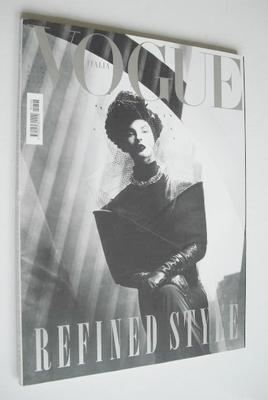 <!--2009-08-->Vogue Italia magazine - August 2009 - Linda Evangelista cover
