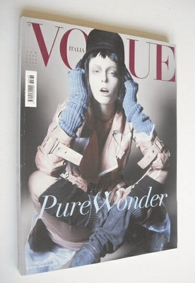<!--2006-04-->Vogue Italia magazine - April 2006 - Coco Rocha cover