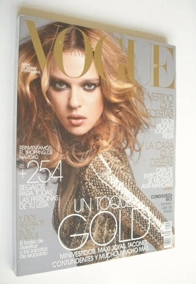 <!--2006-12-->Vogue Espana magazine - December 2006 - Elise Crombez cover