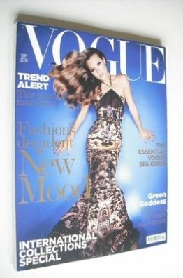 <!--2004-09-->British Vogue magazine - September 2004 - Kate Moss cover