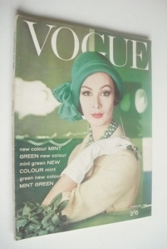 British Vogue magazine - 1 February 1961 (Vintage Issue)
