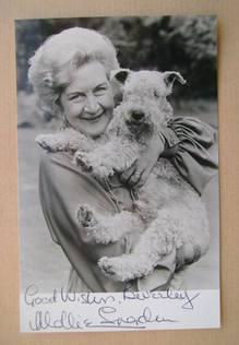 Mollie Sugden autograph