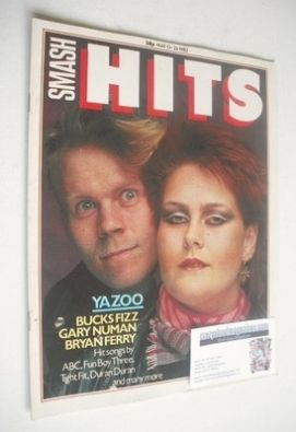<!--1982-05-13-->Smash Hits magazine - Yazoo cover (13-26 May 1982)