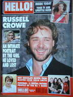 <!--2001-03-27-->Hello! magazine - Russell Crowe cover (27 March 2001 - Iss