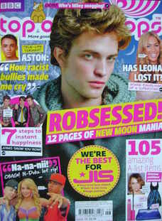 <!--2009-11-11-->Top Of The Pops magazine - Robert Pattinson cover (11 Nove