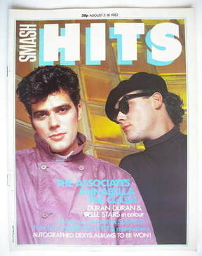 <!--1982-08-05-->Smash Hits magazine - The Associates cover (5-18 August 19