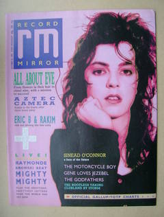 <!--1987-10-24-->Record Mirror magazine - Julianne Regan cover (24 October