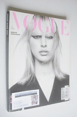 <!--2001-03-->French Paris Vogue magazine - March 2001 - Karolina Kurkova c