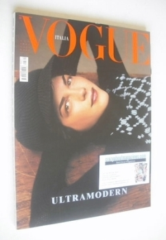 Vogue Italia magazine - August 2002 - Selma Blair cover