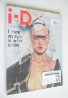 <!--2002-05-->i-D magazine - Natalia Vodianova cover (May 2002)