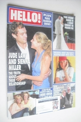 <!--2004-10-19-->Hello! magazine - Jude Law and Sienna Miller cover (19 Oct