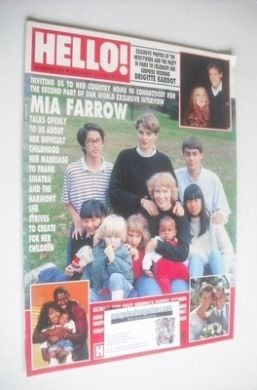 <!--1992-10-31-->Hello! magazine - Mia Farrow cover (31 October 1992 - Issu