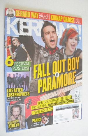 <!--2014-07-19-->Kerrang magazine - Fall Out Boy vs Paramore cover (19 July