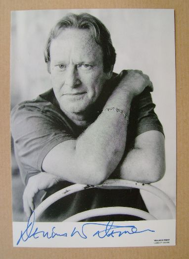 Dennis Waterman autograph (hand-signed photograph, undedicated)