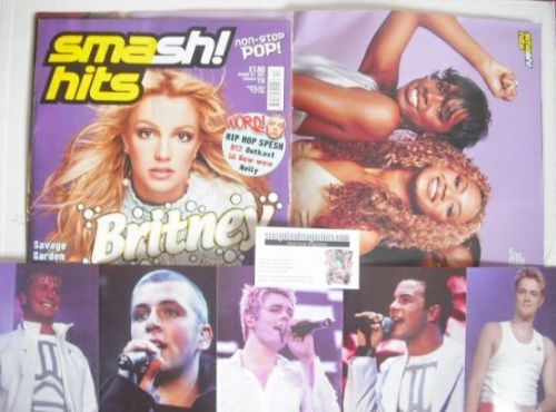 <!--2001-03-21-->Smash Hits magazine - Britney Spears cover (21 March 2001)