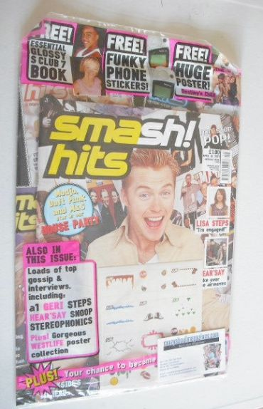 <!--2001-04-18-->Smash Hits magazine - Ronan Keating cover (18 April 2001)