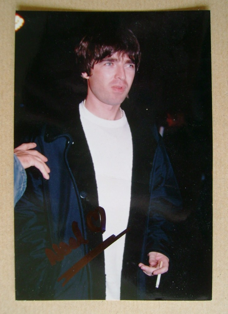 Noel Gallagher autograph