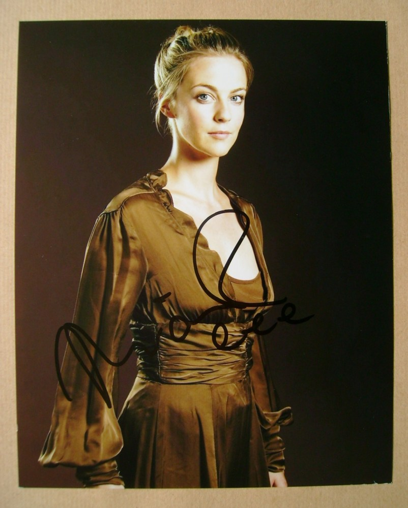 Miranda Raison autograph