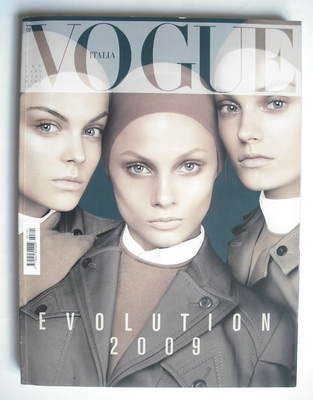 <!--2009-01-->Vogue Italia magazine - January 2009 - Anna Selezneva, Anna M