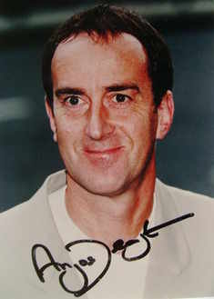 Angus Deayton autograph (hand-signed photograph)