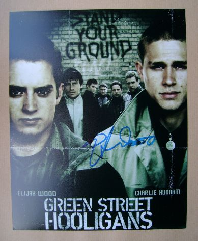 Elijah Wood autograph (hand-signed promotional card)