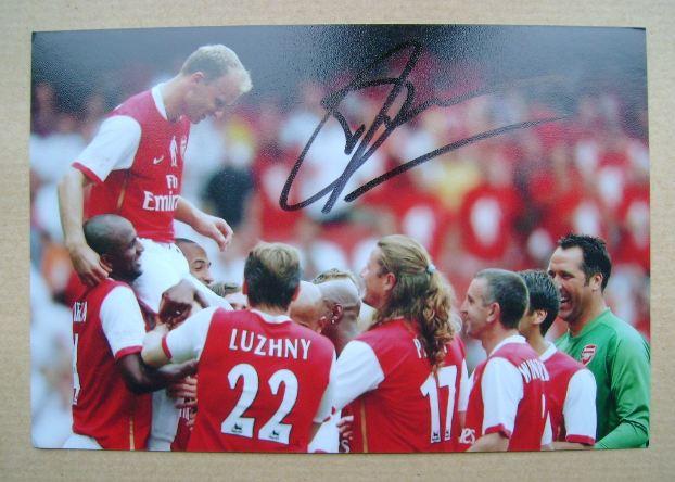 Dennis Bergkamp autograph