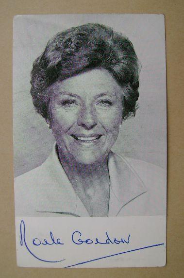 Noele Gordon autograph