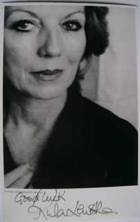 Rula Lenska autograph