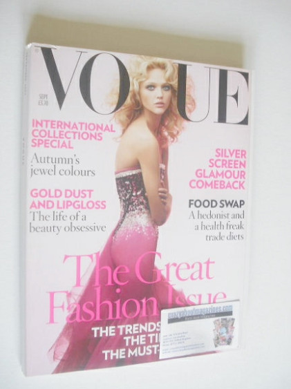 <!--2007-09-->British Vogue magazine - September 2007 - Sasha Pivovarova co
