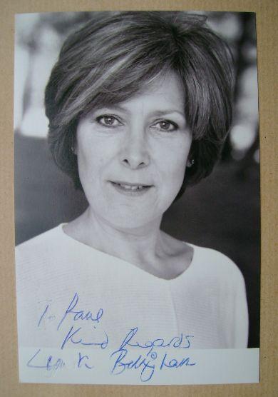Lynda Bellingham autograph