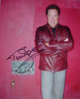 Tom Jones autograph