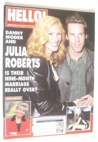 <!--2003-04-15-->Hello! magazine - Julia Roberts and Danny Moder cover (15