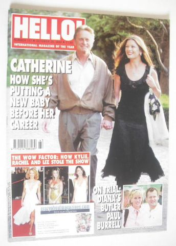 <!--2002-10-29-->Hello! magazine - Catherine Zeta Jones and Michael Douglas