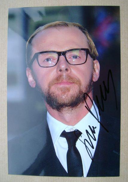 Simon Pegg autograph (hand-signed photograph)
