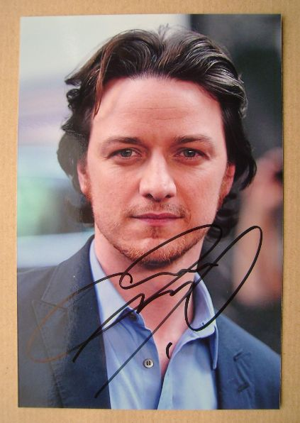 James McAvoy autograph (hand-signed photograph)