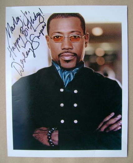 Wesley Snipes autograph (hand-signed photograph)
