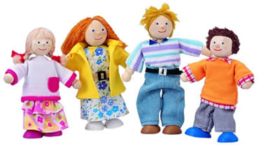 Wooden Doll Family -  'The Mulberrys'