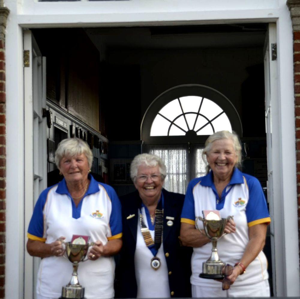 Anne Knight & Frieda Goulding - Ladies Pairs Winners