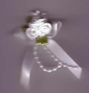 Trio Roses - White
