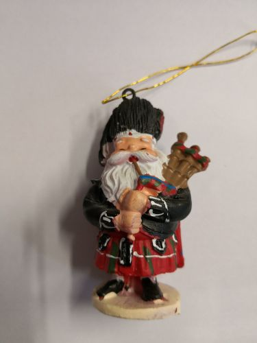 Small Hanging Santa Playing Bagpipes