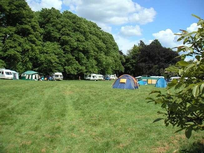 HI Caravan Field Summer