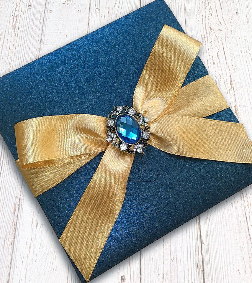 Ribbon & brooch pocketfolds