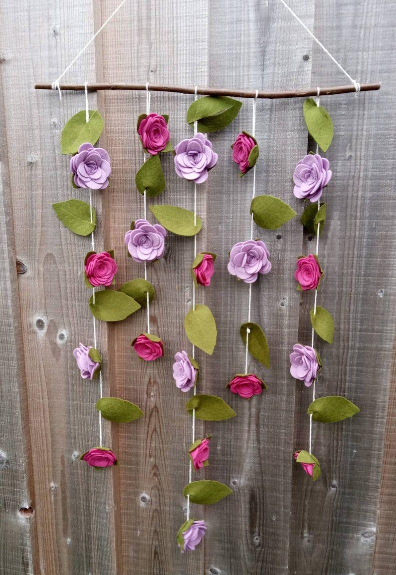 Vertical rose garland