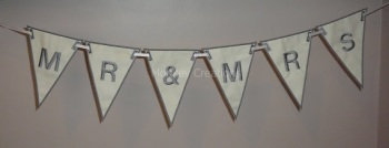 "7"" ""Mr & Mrs"" Flag Bunting"